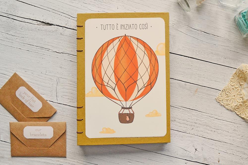 Diario del bebè con mongolfiera in copertina