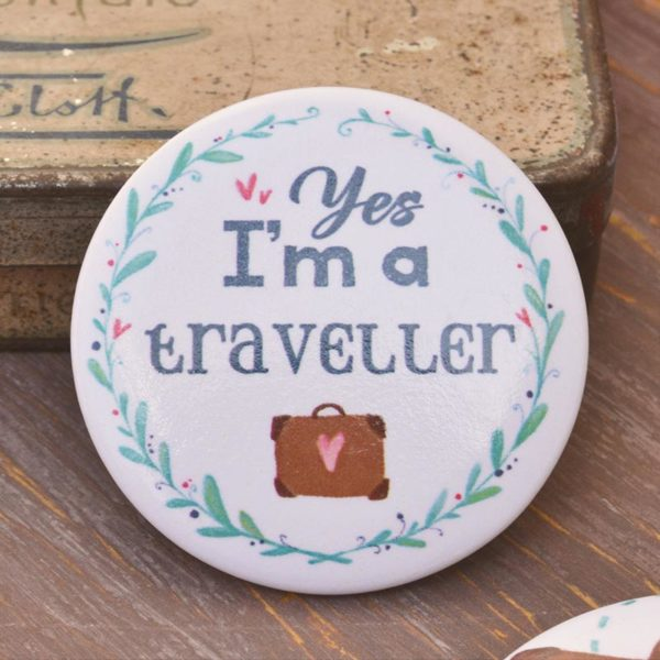Illustrated pin I'm a traveller