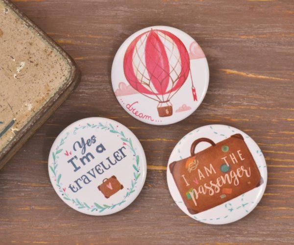 set of 3 Illustrated pins Around the world