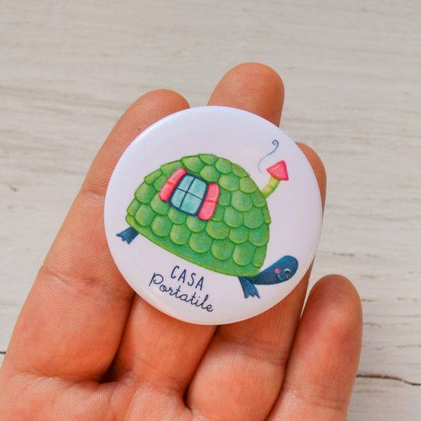 Illustrated pin Casa portatile